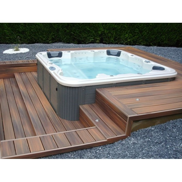 Vendo jacuzzi exterior ideas de disenos for Vendo jacuzzi