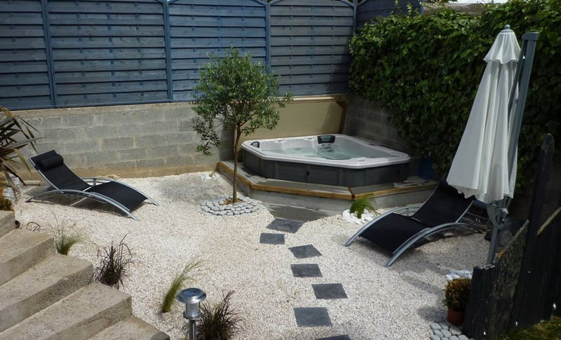 Contact pascal bruyere 966866403 for Patios pequenos con jacuzzi