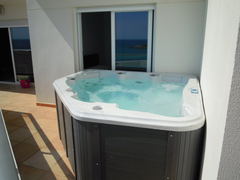 Contact pascal bruyere 966866403 for Jacuzzi pequeno